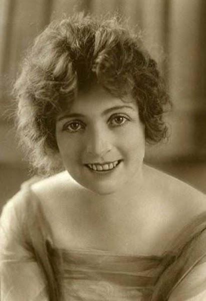 Myrtle Gonzalez. Photo: Wikipedia