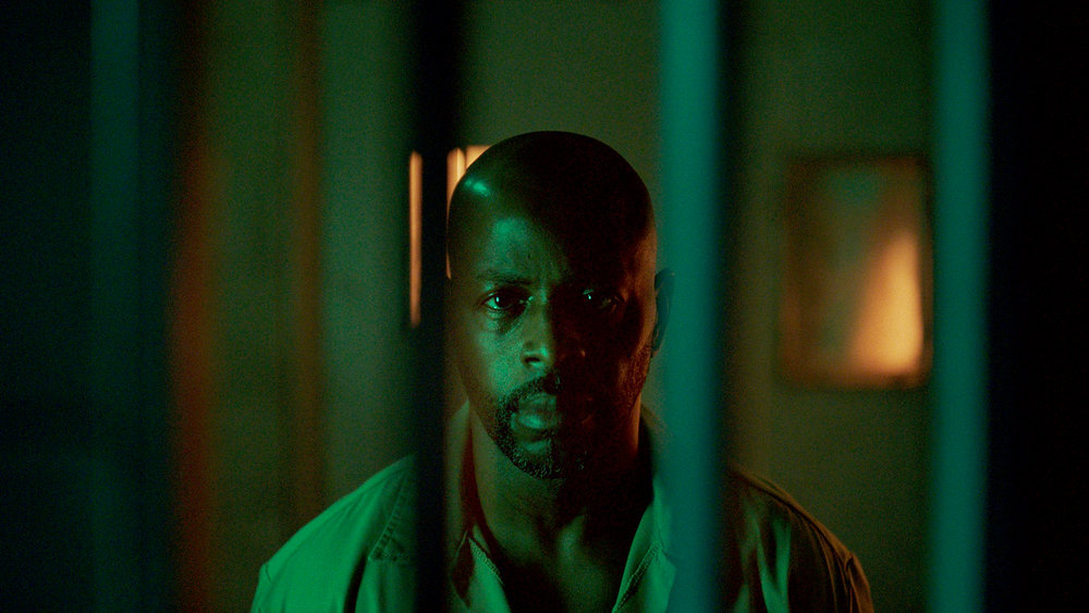 """QUEEN OF THE SOUTH -- """"La Situacion"""" Episode 504 -- Pictured in this screengrab: Alimi Ballard as Marcel Dumas -- (Photo by: USA Network)"""
